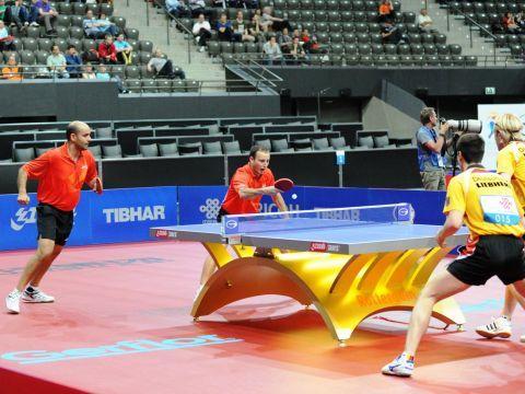 CArneros y Machado en el partido de dobles de esta tarde con Ovtcharov y Suss. (Foto: Juan Carlos Paramá)