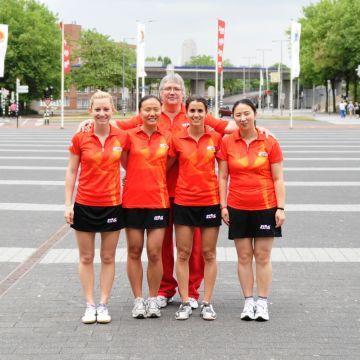 Equipo nacional femenino que está representando a España en el Mundial de Rótterdam 2011. (Foto: Juan Carlos Paramá)