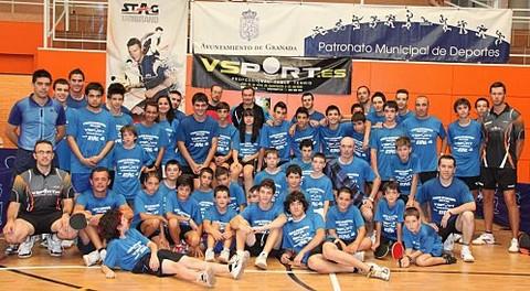 Participantes en el I Campus Internacional de Tenis de Mesa VSPORT Ciudad de Granada.