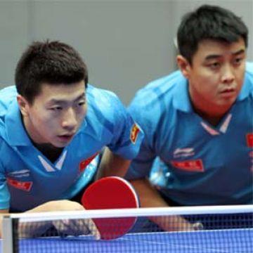 Ma Long y Wang Hao. (Foto: Kurt Bartuschek en www.ittf.com)