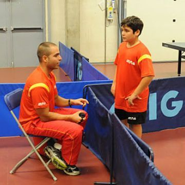 José Salinas dando instrucciones a Javier Soria.