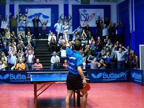 Carlos Machado celebrando la victoria.