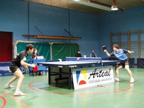 Bin Hu (Borges) y Sining (Irún) durante el partido de la pasada jornada. (Foto: Toni Bodú)