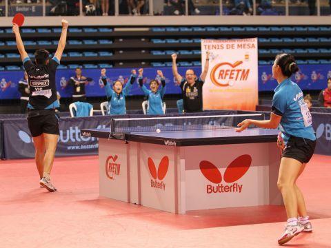 El Fotoprix Vic celebrando el último punto que les daba la victoria.