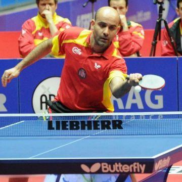 Alfredo Carneros conseguía una importanmte victoia sobre el número 1 del equipo checo Korbel. (Foto: Mari Paz Cordo)