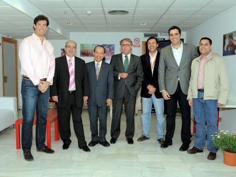 De izquierda a derecha Juanjo Salvador, Arsenio Pacheco, Javier Ching-Shan Hou, Jesús Caicedo, Miguel Ángel Machado, Juan José Alonso y Daniel Valero