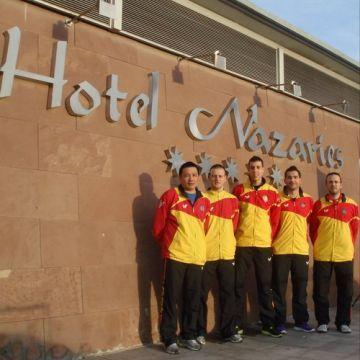 El equipo que representará hoy a España en el hotel de concentración.