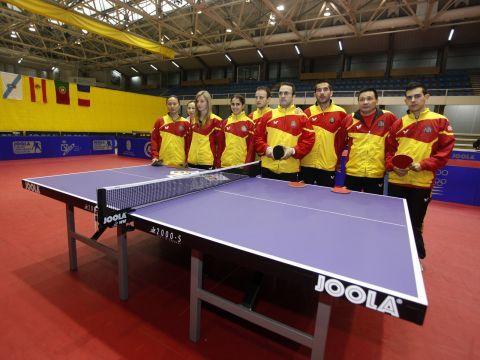 Equipo femenino y masculino en Pontevedra. (Foto: J. Cervera)