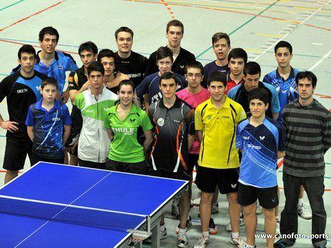 Grupo de la Blume con los jugadores suecos. (Foto: Alberto Cano)