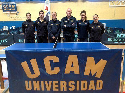 Equipo masculino y femenino de la UCAM