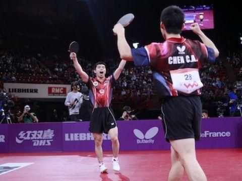 Chuang Chih-Yuan y Chien Chen-An, celebrando su victoria. (Foto: ITTF)