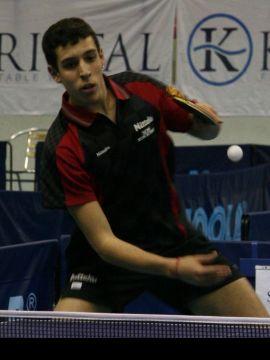 Álvaro Robles (arriba) y Ferrán Brugada se han traído tres medallas cada uno para España. (Foto: ITTF)