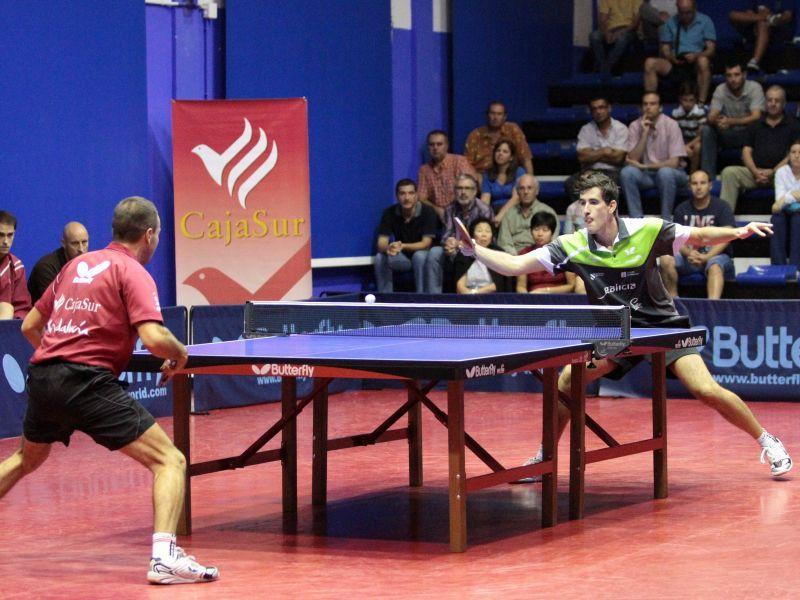 Un momento del partido entre CajaSur Priego y Arteal Santiago. (Foto: Priego TM)