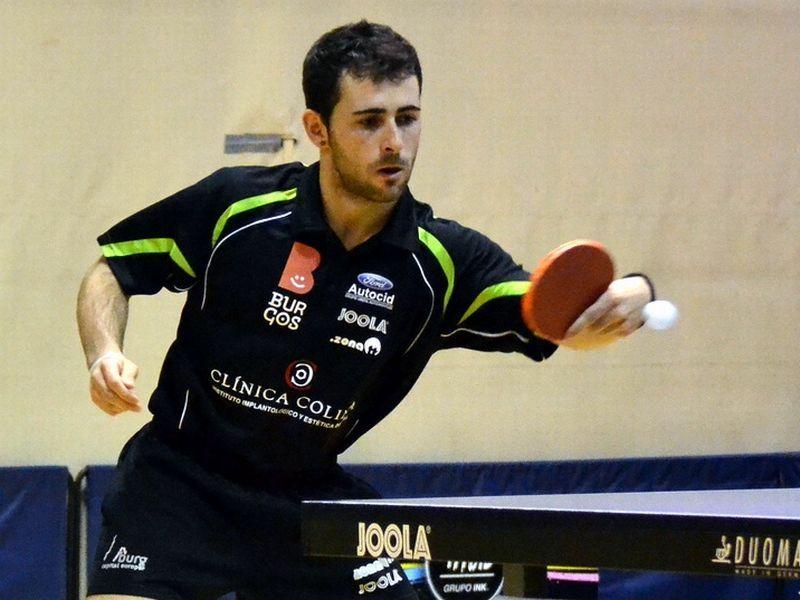 Jorge Ausín, jugador del Clínica Colina Burgos, aportó 2 puntos a la primera victoria de su equipo esta temporada. (Foto: Rosi Ayala)