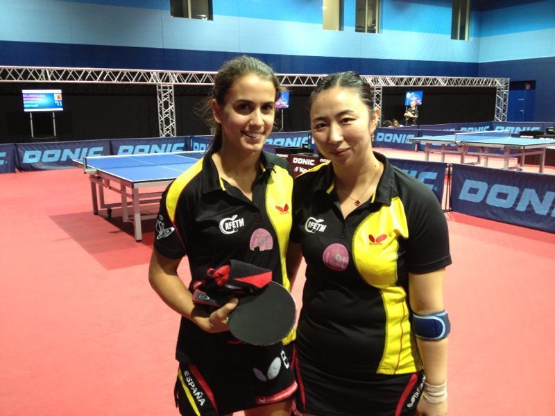 Sara Ramírez y Shen Yanfei