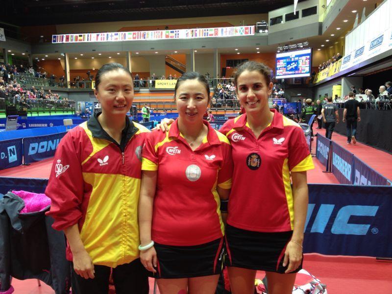 Zhu Fang,  Shen Yanfei y Sara Ramírez.