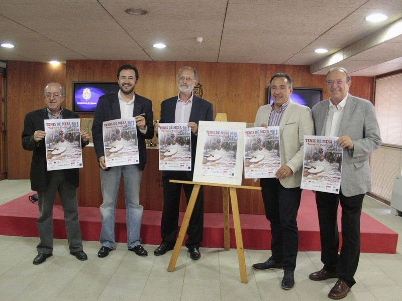 Foto acto celebrado ayer en el Ayuntamiento de Alicante en el que se presentó el Torneo Zonal 3.