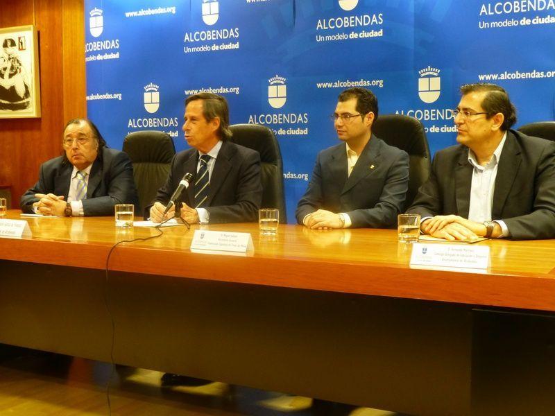De izquierda a derecha José Matamoros, Ignacio García, Miguel Solano y Fernando Rodríguez en el acto de presentación de ayer.