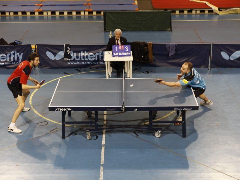 Un momento del partido de esta tarde entre García del ADTM Leganés y Andrade del DKV Borges Vall. (Foto: Toni Boldú)