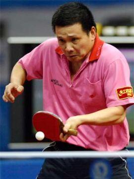 """Zhu Fang y """"Juanito"""" (foto) entre los 32 mejores"""