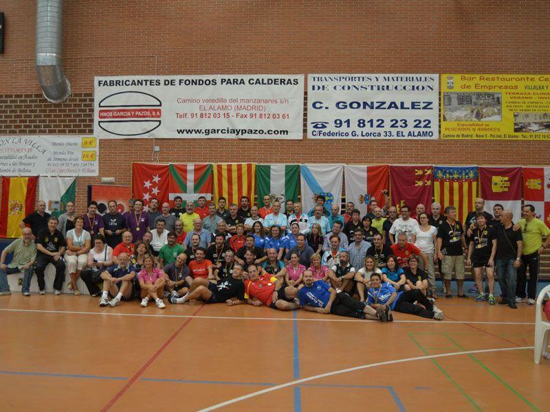 Foto de familia de la última edición celebrada en la localidad madrileña de El Álamo. (Foto: Joana Torres)