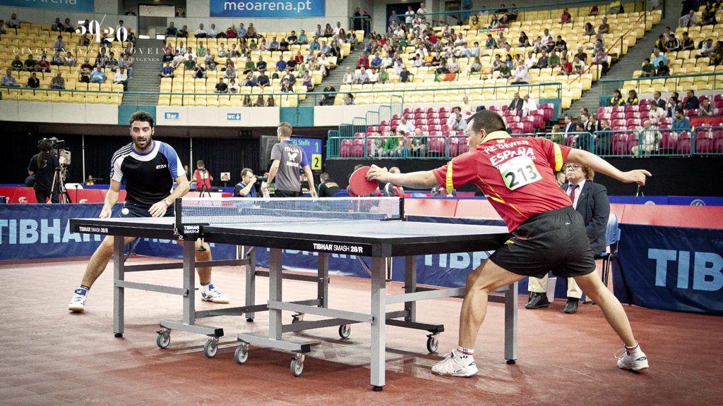 Juanito en su gran partido frente al griego Gionis Panagiotis, número 21 del mundo. (Foto: CINCUENTACIENTOVEINTE)