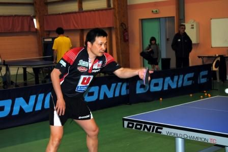 "He Zhiwen ""Juanito"" jugando con el Jura Morez TT de la Pro-A francesa."
