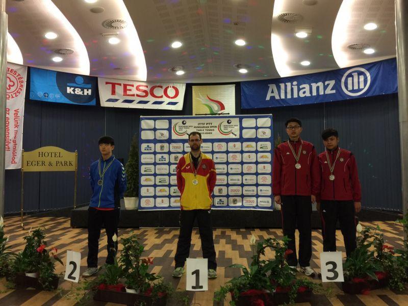 Eduardo Cuesta en el podio de Hungría