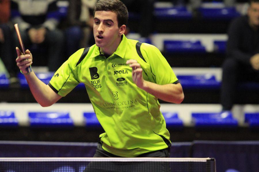 Miguel Ángel Vílchez, jugador del Clínica Colina Burgos. (Foto: Antonio García)