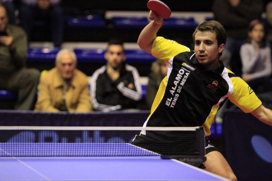 Pablo Lozano jugador del CTM El Álamo, equipo que mantiene la categoría. (Foto: Antonio García)
