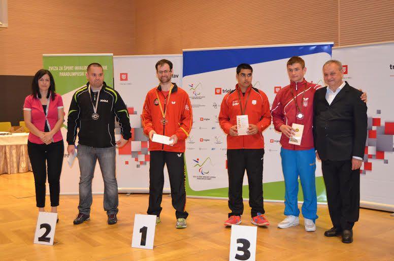 Eduardo Cuesta en el podio