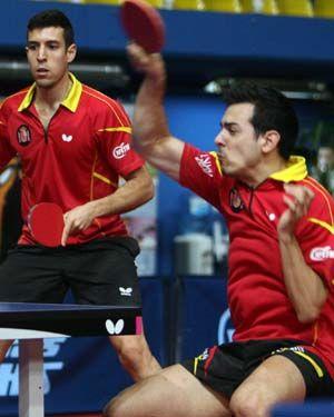 Álvaro Robles y Marc Durán durante un partido de dobles en Croacia. (Foto: ITTF)