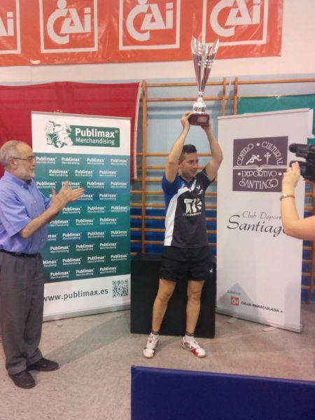 El CER L´Escala recibió el trofeo de Campeón de la División de Honor Masculina.