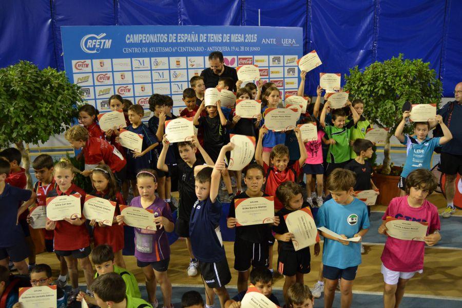Foto de todos los participantes. (Foto Leo Ruiz)