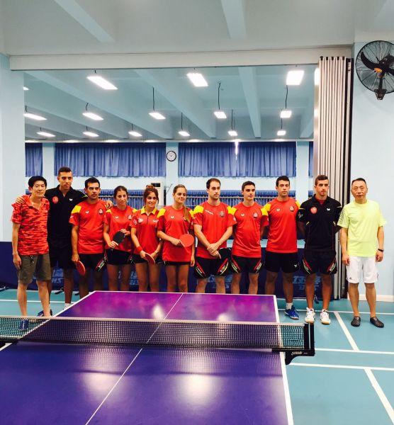 El equipo español en el centro de entrenamiento de Shanghai