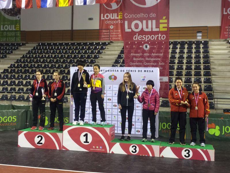 Lidia Rico y Alba Fernández en el podio. (Foto: Aitor Puig)