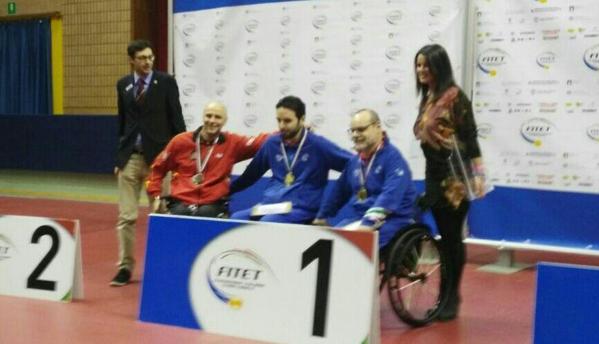 Miguel Ángel Toledo en el podio de Italia.