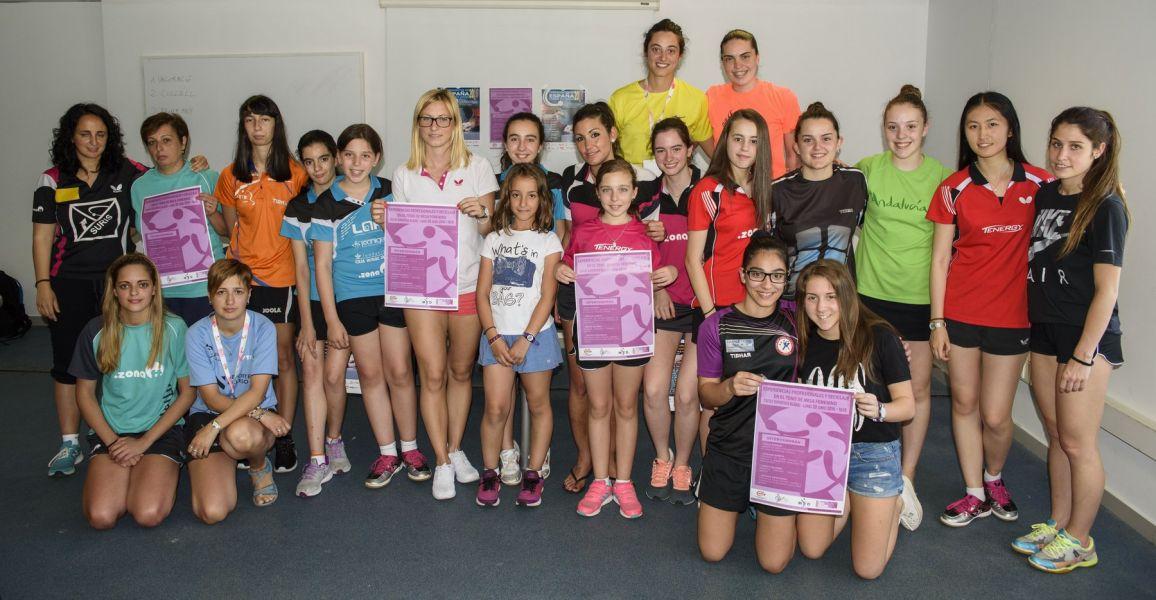 Foto de grupo con los asistentes. (Foto: Álvaro Díaz)