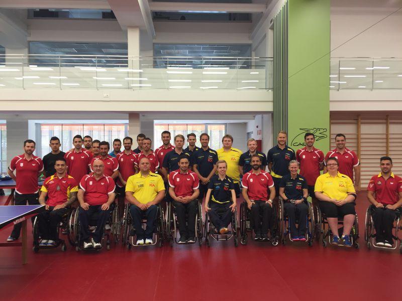 Equipo Paralímpico Español y equipo sueco en la concentración en el CAR de Sant Cugat. (Foto: CAR Sant Cugat)