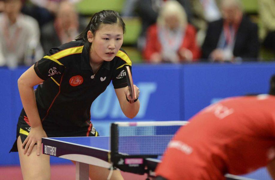 María Xiao jugando contra Inglaterra en Preston