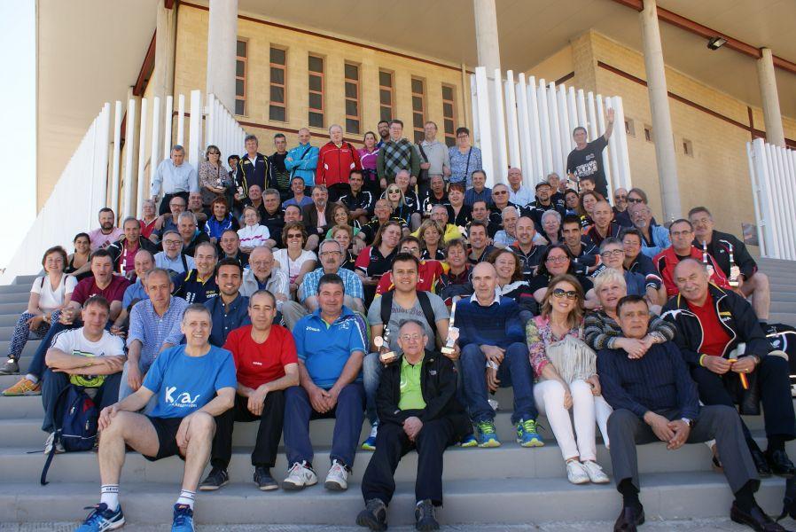 Foto de grupo de los participantes en el último campeonato celebrado en Tomares (Sevilla)