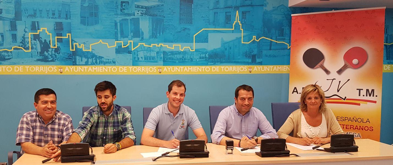 Firma del convenio en Torrijos.