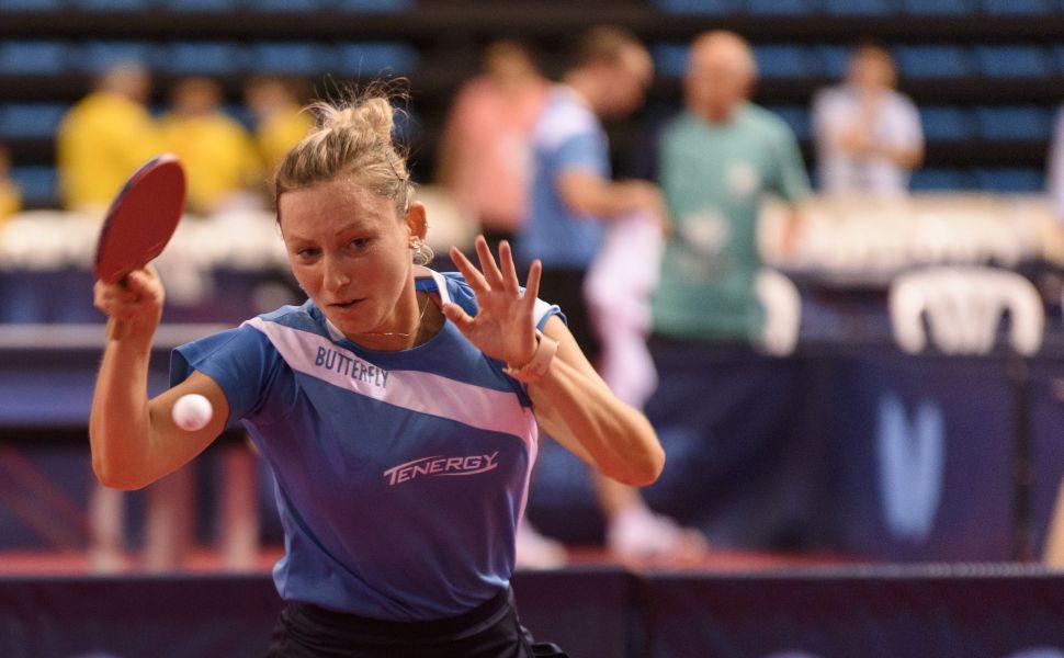 Galia Dvorak disputando la final del Campeonato de España de Tenis de Mesa 2017