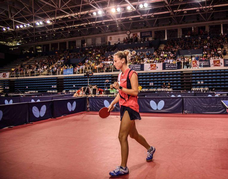 Galia Dvorak celebra un punto en la final del Campeonato de España de Tenis de Mesa