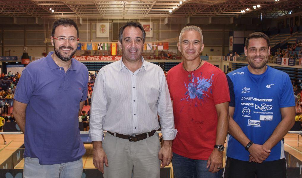 (De izq. a derecha) Miguel Ángel Machado, presidente RFETM; concejal Deportes Almería, Juan José Segura; director del Patronato, Juan José Cano; director de eventos de RFETM, Daniel Valero