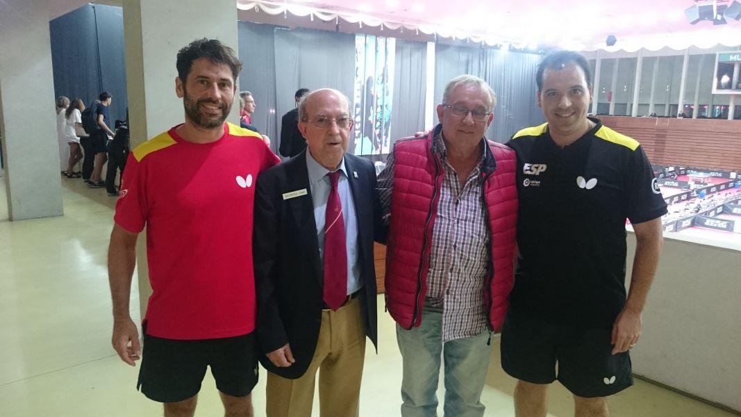 Enrique Barreiro junto a José Jaime Murcia, Dani Torres y Ramón Mampel.