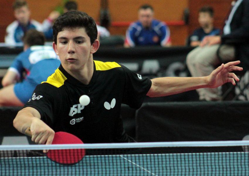 Francisco Miguel Ruiz, palista junior de la selección española de tenis de mesa