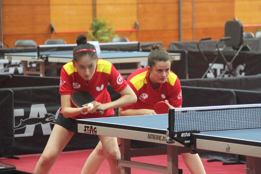 Sofía Xuan Zhang y Ana García, palistas junior de la selección española de tenis de mesa (Foto: Emilio García)