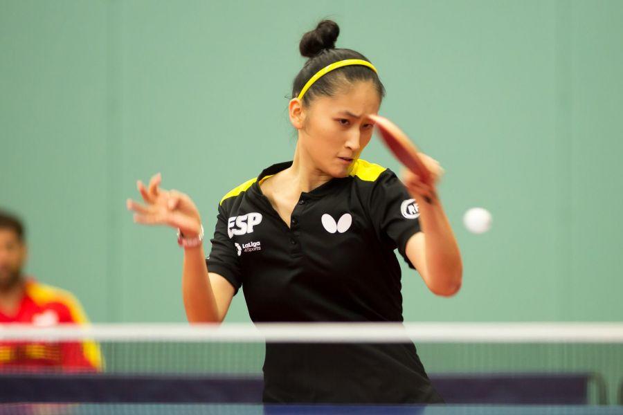Sofía Xuan-Zhang disputando su primer partido en el Top10 para Jóvenes de Europa de Tenis de Mesa 2017.