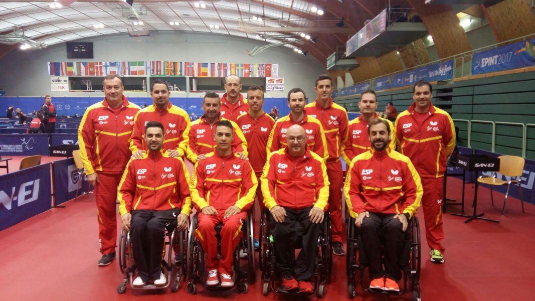 Equipo paralímpico español, en el pabellón del Campeonato de Europa de Tenis de Mesa 2017